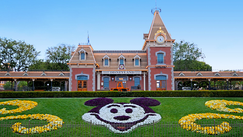 The Top 10 Best Rides at the Disneyland Park in Anaheim, CA Featured Image