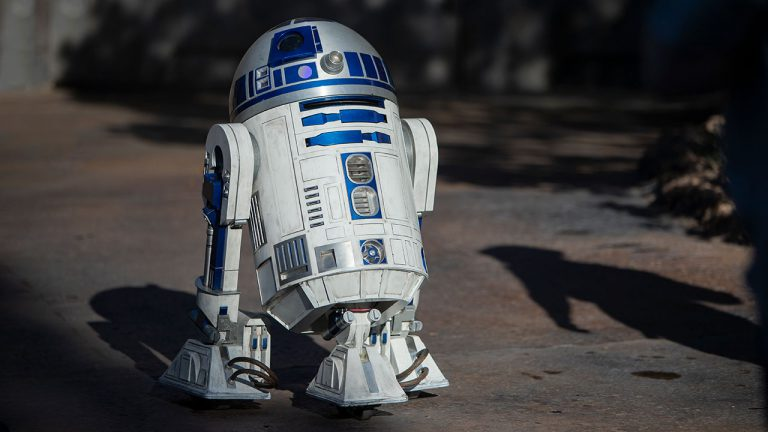 R2-D2 Now Gliding Around Star Wars: Galaxy's Edge at Disneyland Park Featured Image