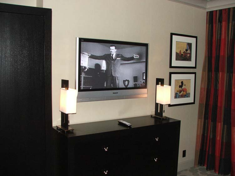 Mickey 39 s penthouse review 2007 Master bedroom tv setup