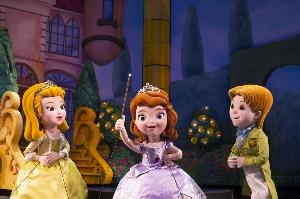Sofia the First Joins Disney Junior – Live on Stage! - See more at: http://disneylandnews.com/2013/05/20/disneyland-resort-bursting-with-more-live-entertainment-kicks-off-summer-with-lineup-of-new-shows-and-thrills/#photo_gallery-4